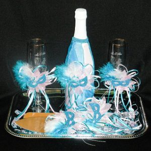 Cake and Toasting Set in Masquerade Theme