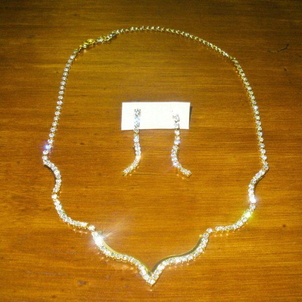 Sheer Elegance Jewelry Set in Gold